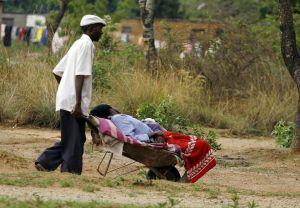 africa zmibabwe_cholera_victim